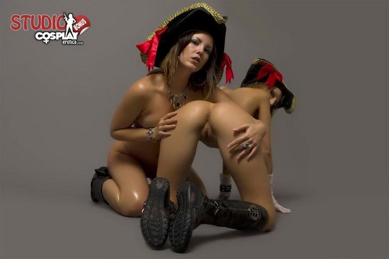 Pirates of the caribbean naomie harris naked