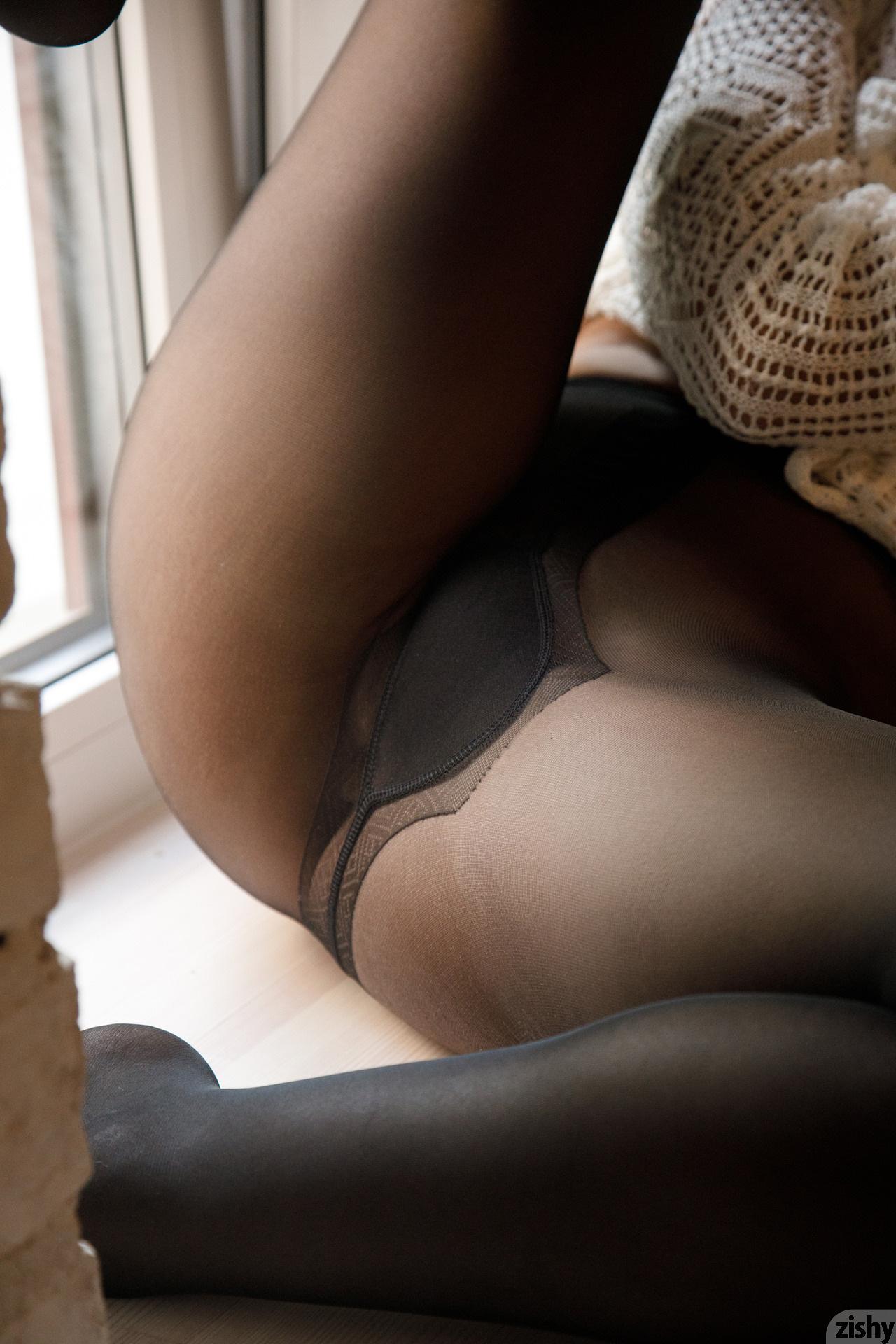 Do ladies ejaculate-2200